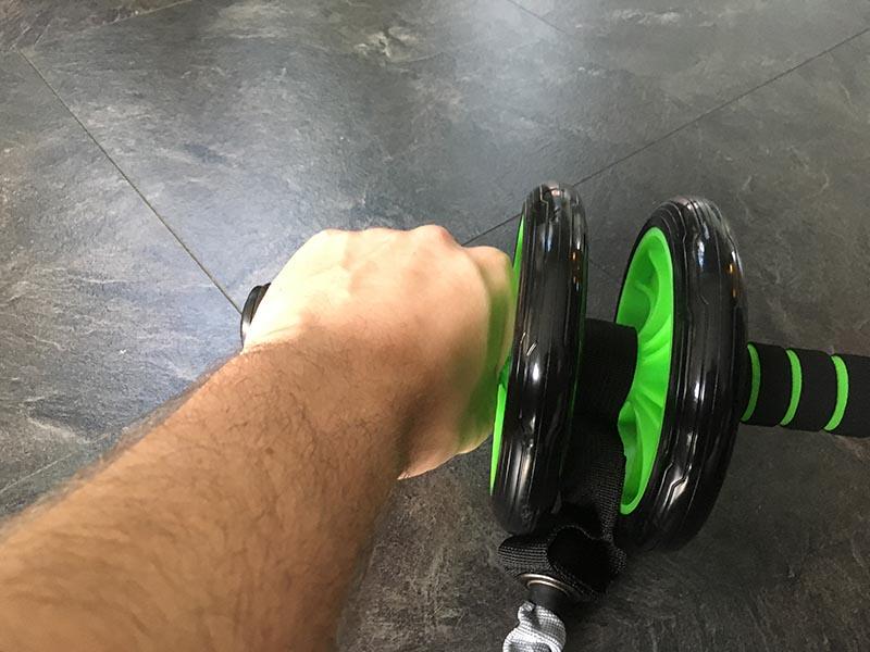 Bauchroller Test Sportastisch Extreme Ab Roller Bauchtrainer Training Hand