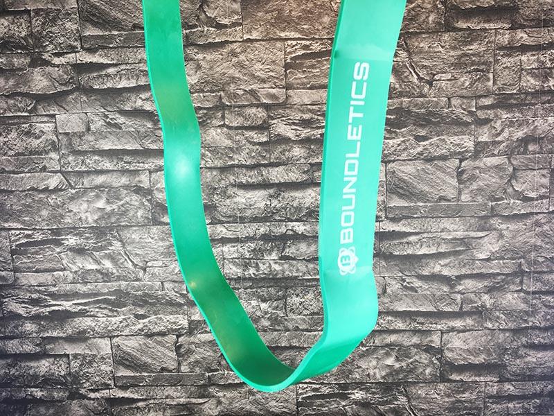 Fitnessband Test Boundletics grün 20 bis 55 kg hängend