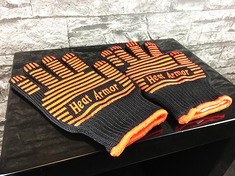 Grillhandschuhe Test Heat Armor Schwarz Rot Paar